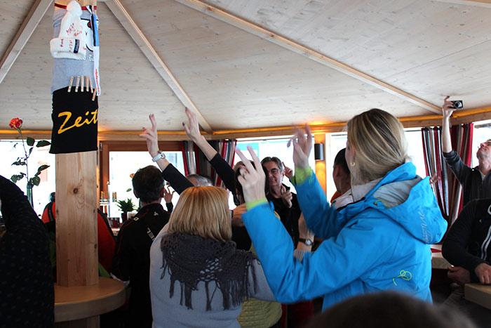 Après-Ski Bar ``Zeitlos``